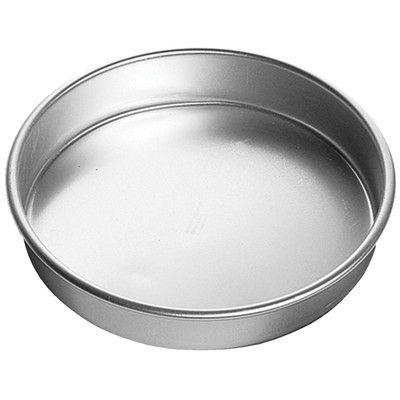 Wilton Decorator Preferred Round Cake Pan
