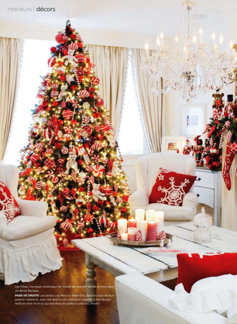 Gorgeous tree decorated red and white - my favourite!!!