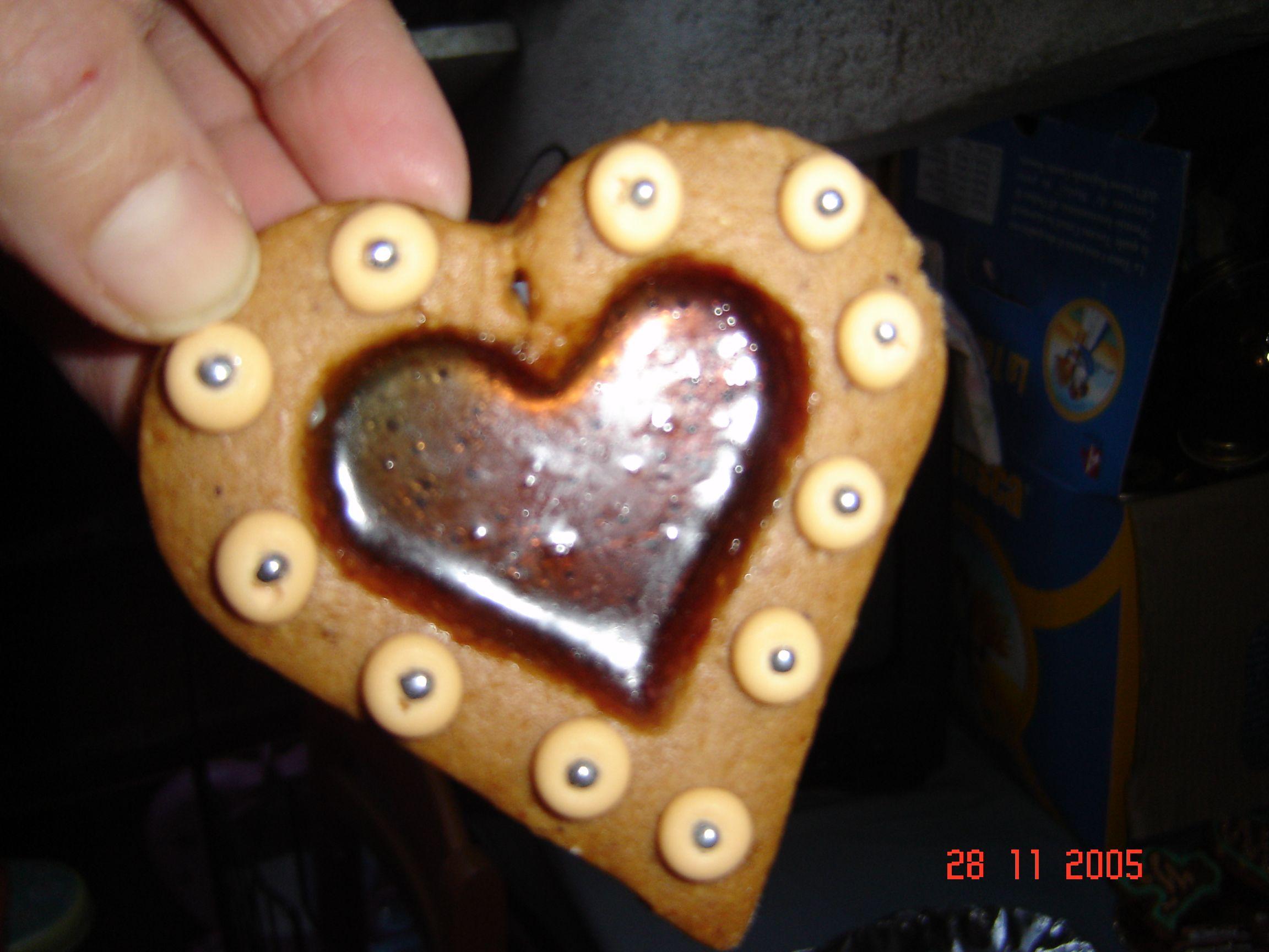 ... il biscotto di vetro ... preparato con le caramelle ...