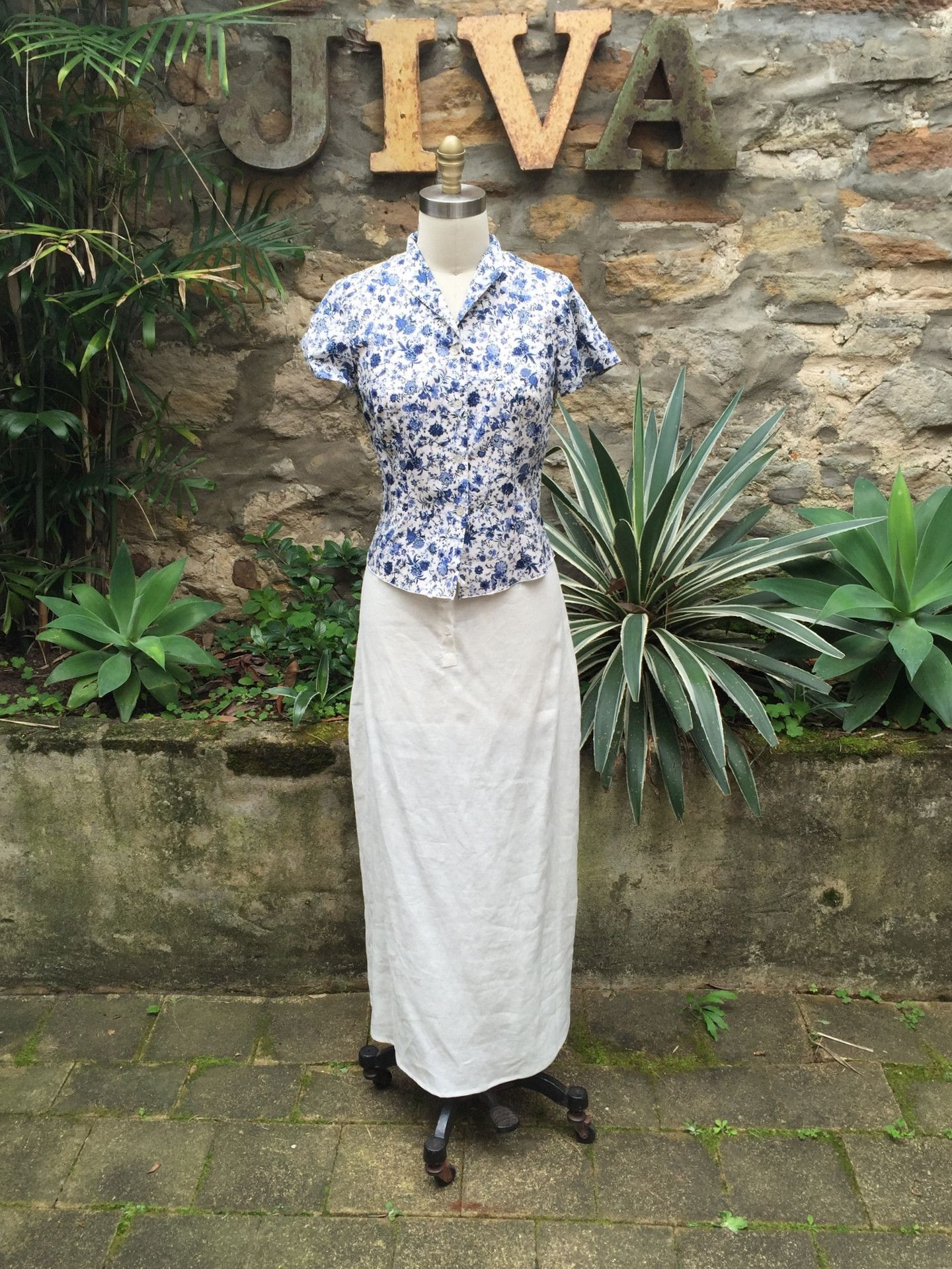 77724a0c05 Jiva Chelsea Shirt- Linen Blue Flower Print – Jiva Clothing Chelsea Shirt