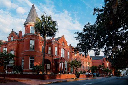 The Mansion On Forsyth Park Savannah Ga Five Star Alliance Savannah Hotels Savannah Chat Mansions