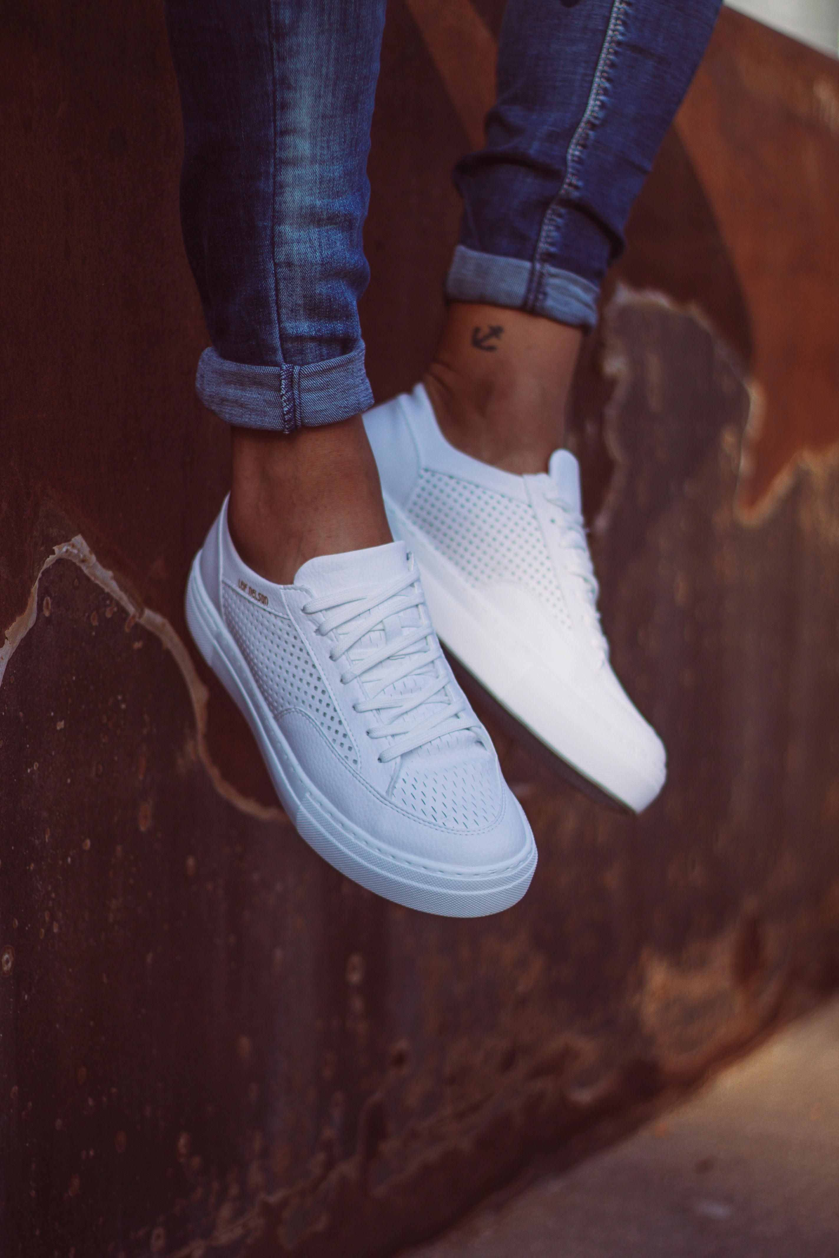 We Love White Sneakers And So Does Blogger Reamonalba Who Is Wearing Our Kicks Leifnelson Tenisky Topanky