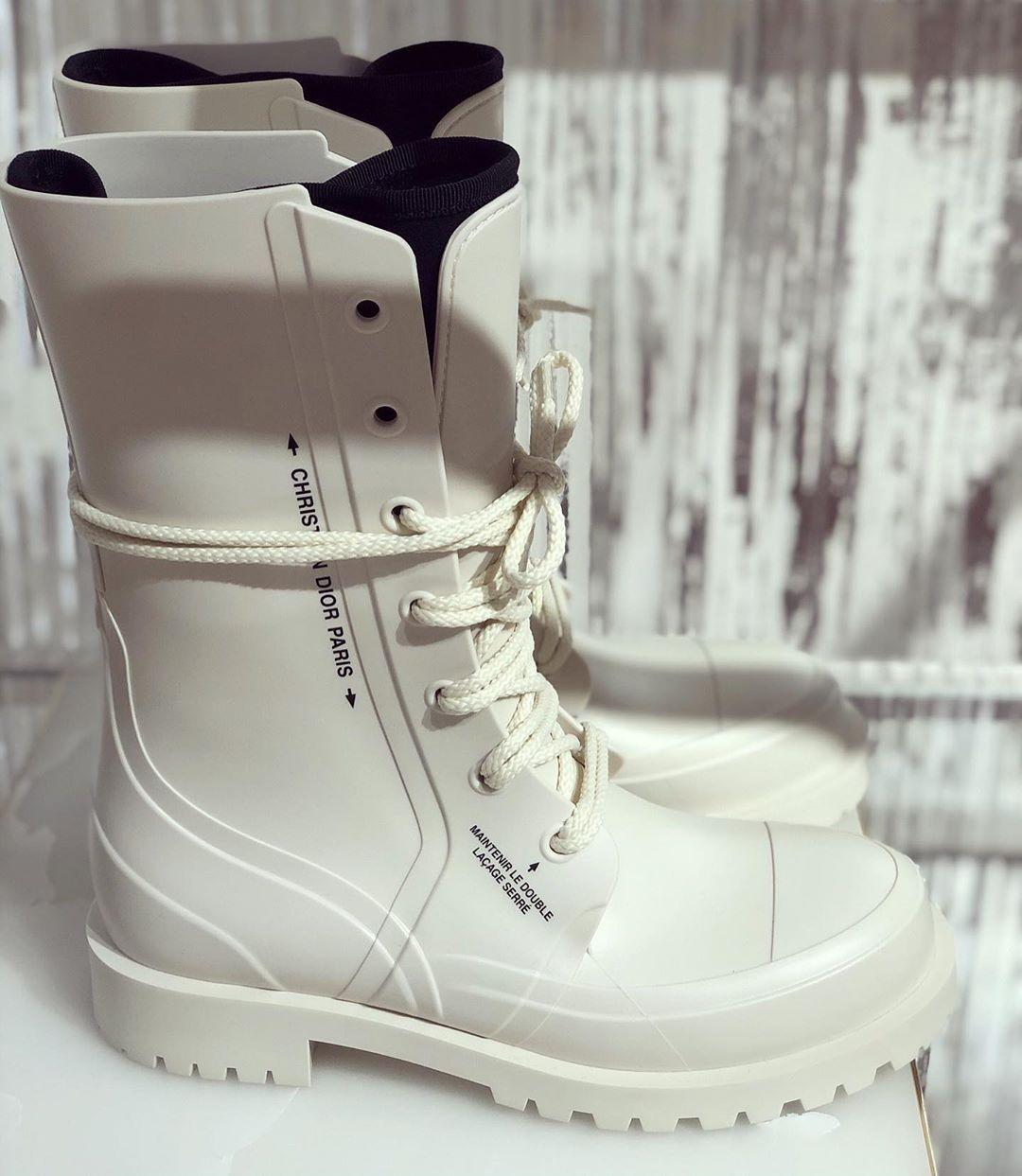 915 Dior shiny black rubber boots
