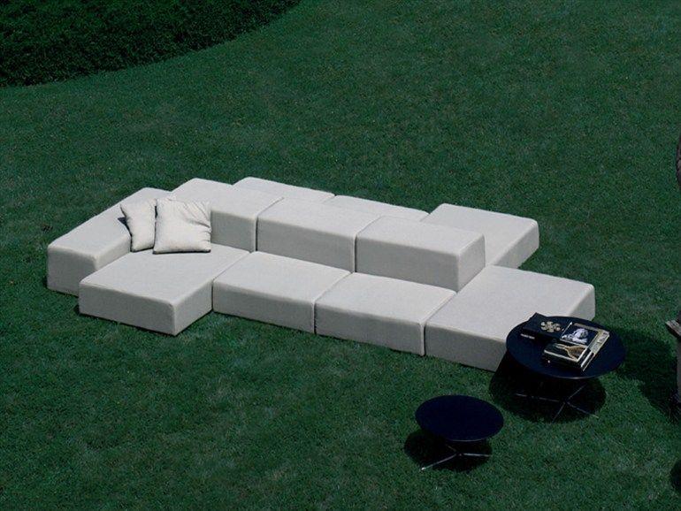 Gepolstertes Garten Anbausofa Kollektion Extra Wall by Living Divani | Design Piero Lissoni