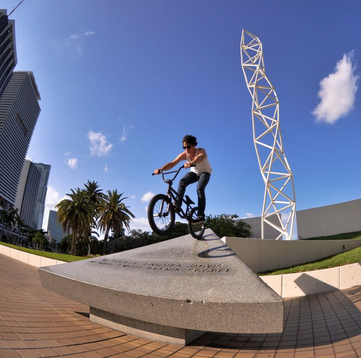 Dillon Hearns with a nice manual down the famous Miami triangle in Bayside, Miami.