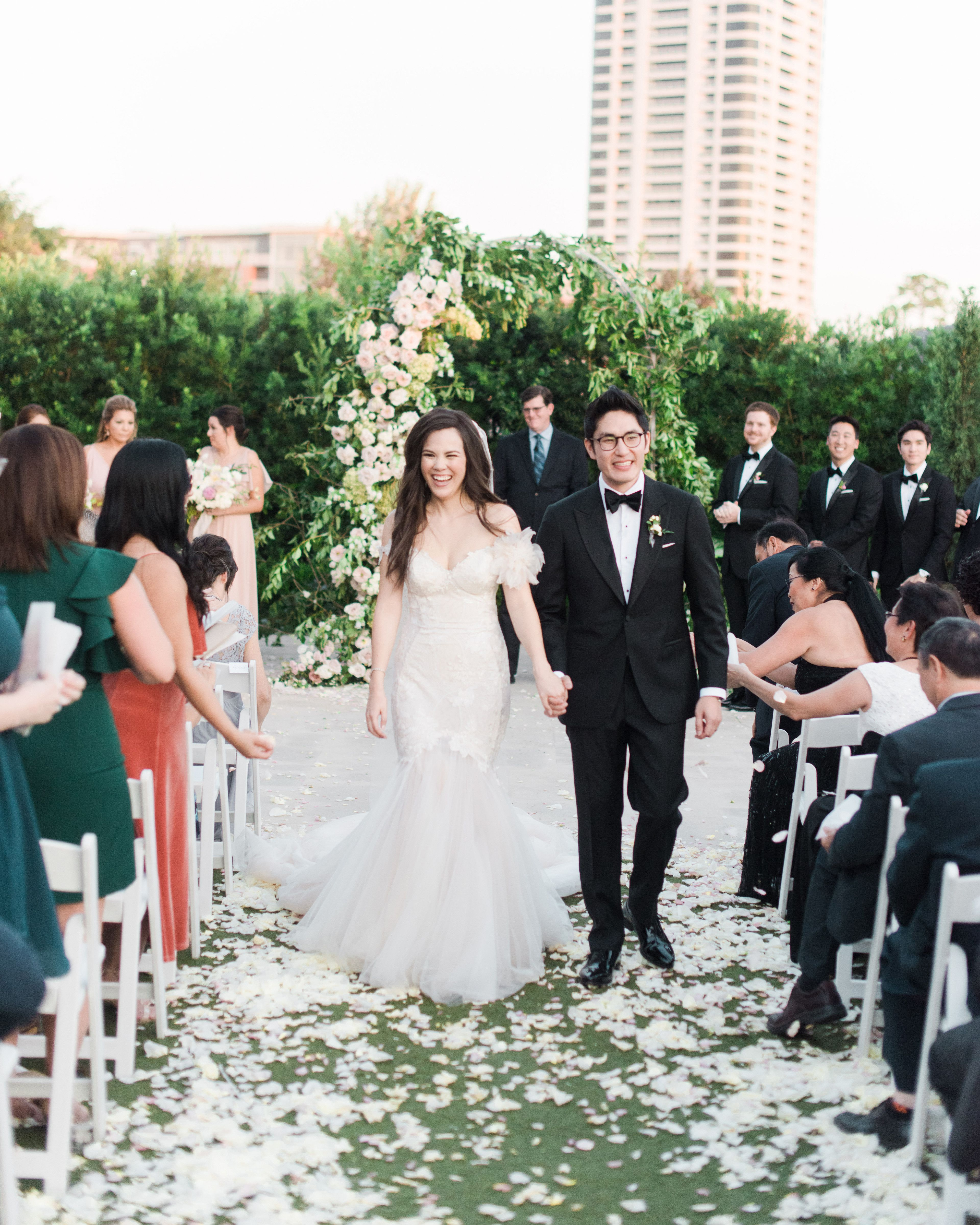 A Romantic Garden Wedding In The Heart Of Houston Texas Romantic Garden Wedding Wedding Wedding Recessional