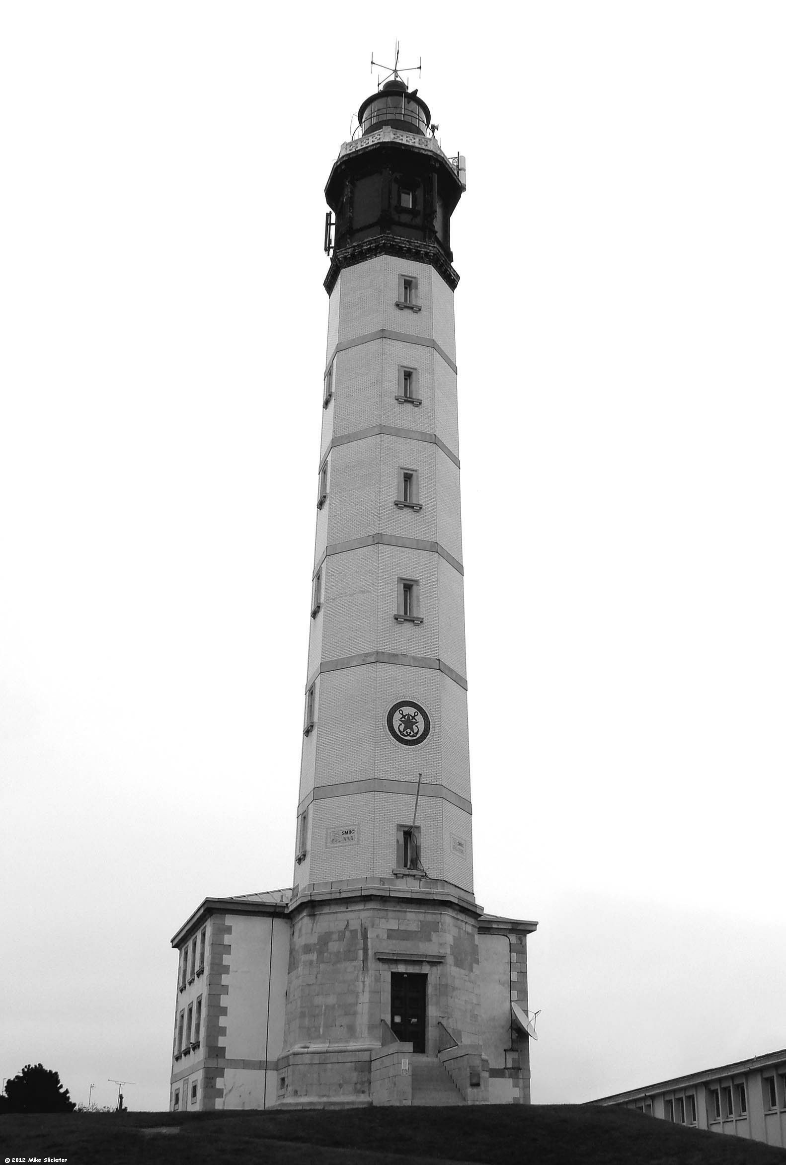 lighthouse in calais france beacon for the french port on the english channel black white. Black Bedroom Furniture Sets. Home Design Ideas
