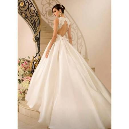 Robe de mariee princesse dos nu Stella York