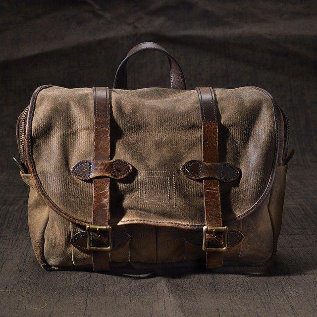 232 Filson Medium Field Bag