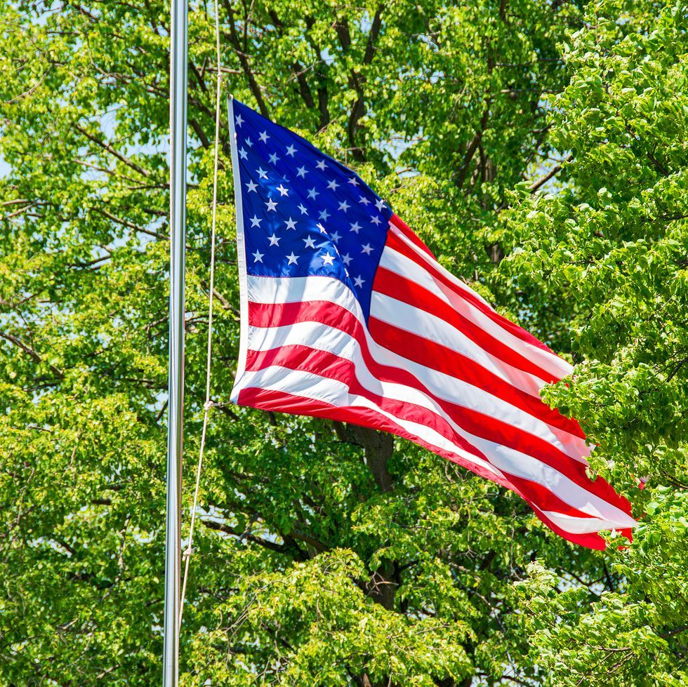 The Proper Way To Fly The American Flag On Memorial Day American Flag American Flag Wallpaper Flag