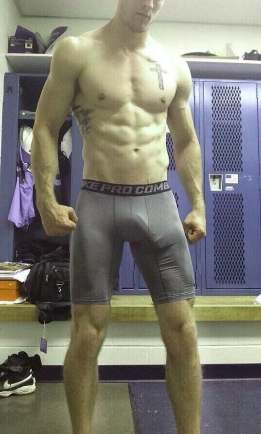 Cam gay locker room