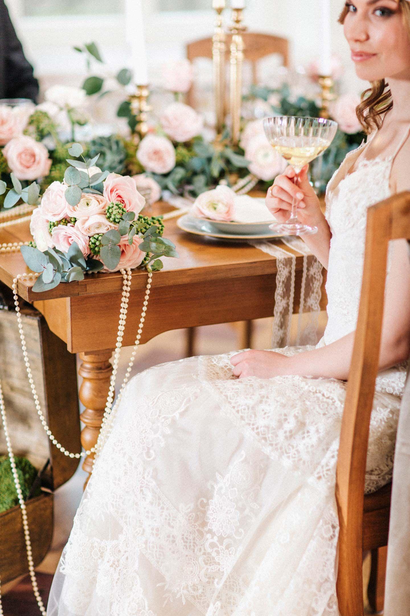 Glamouröse Nostalgie mit rosa Romantik LOREDANA LA ROCCA