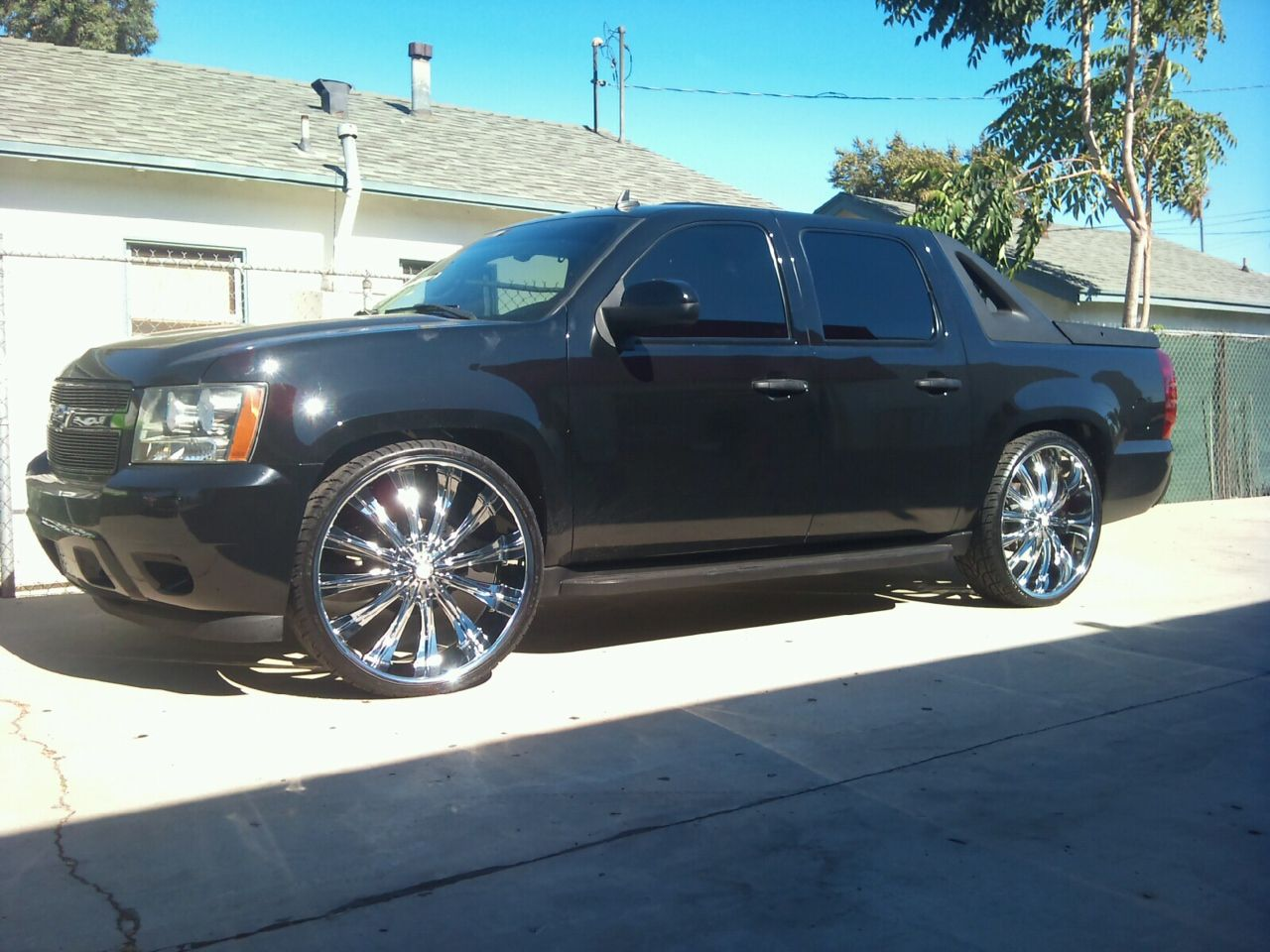 Chevy avalanche on 28 s