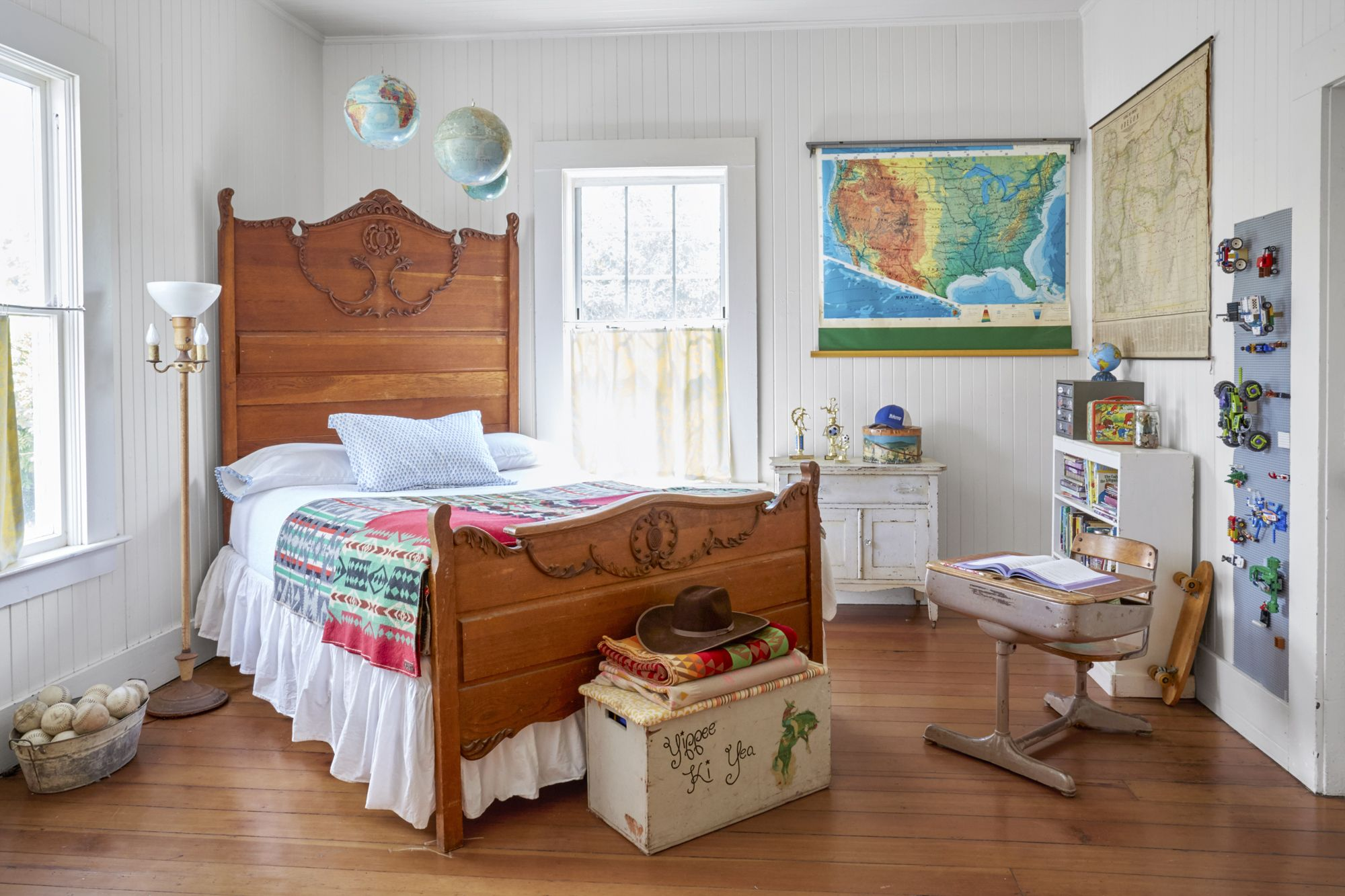 16 vintage decorating ideas from inside a 19th century for 16 year old bedroom designs