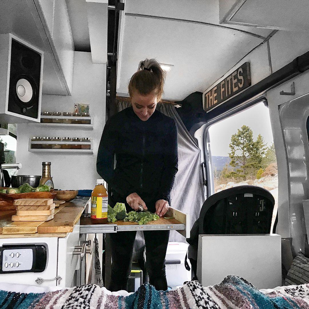 Camping Küche Ideen: Ausziehbare Bzw. Aufklappbare Arbeitsplatte
