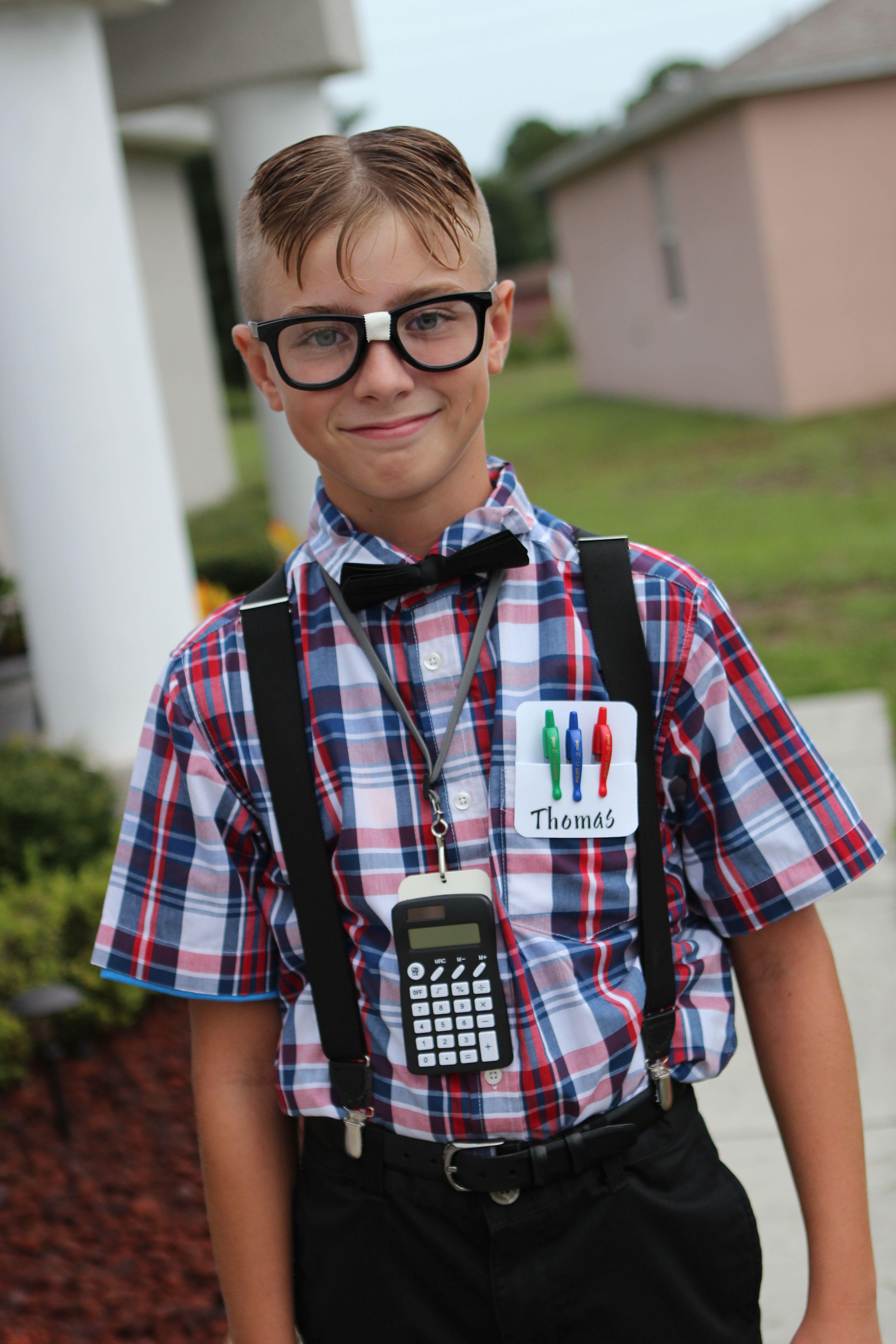 Diy nerd costume hallowee diy nerd costume more solutioingenieria Images