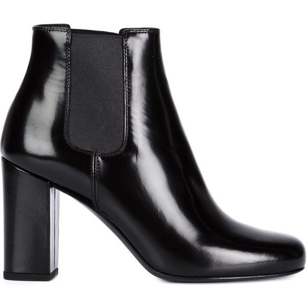 Saint Laurent 'Babies' ankle boots (8.000 NOK) ❤ liked on Polyvore featuring shoes, boots, ankle booties, black, chunky black booties, black ankle boots, black patent leather booties, chunky ankle boots and black bootie