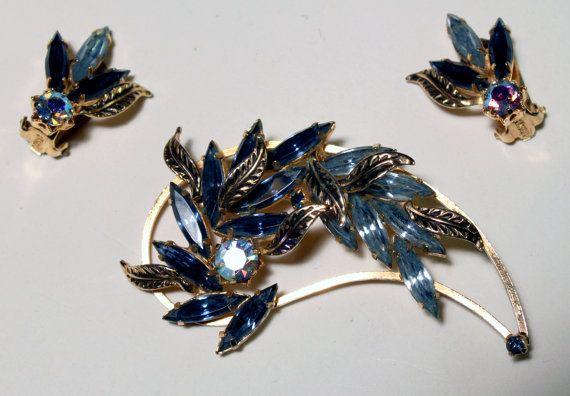 Blue Austrian Crystal Rhinestone Brooch Gold Plated 1950s Vintage Jewelry