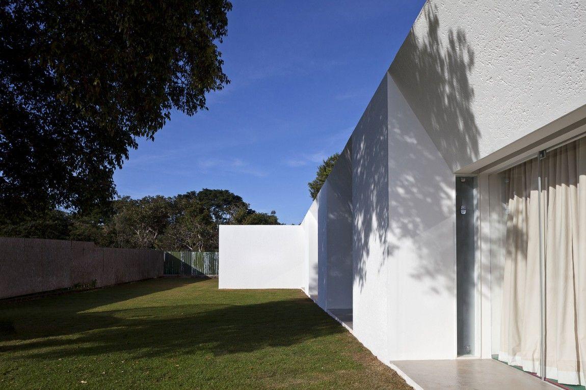 Migliari Guimarães House by DOMO Arquitetos (11)