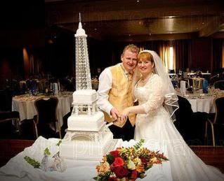 Eiffel Tower Wedding Cake | Eiffel Tower Cake photo EiffelTowerCake ...