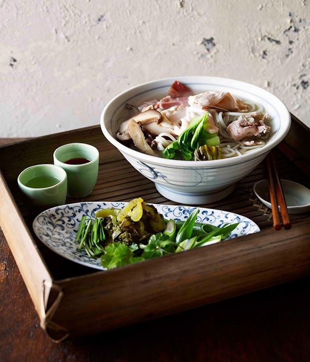 Crossing the bridge noodles guo qiao mi xian recipe tony tan food forumfinder Image collections