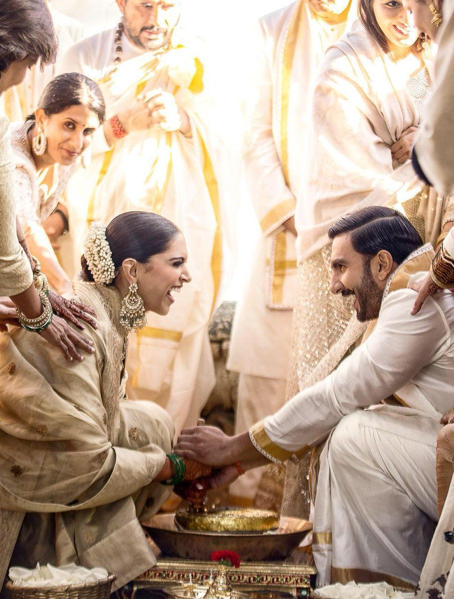 These Gorgeous Pictures Of Deepveer Wedding And Mehendi Would Melt Your Heart Girlandworld In 2020 Bollywood Wedding Deepika Ranveer Celebrity Weddings