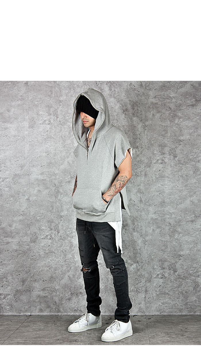 Soldout side incision zippered sleeveless hoodie