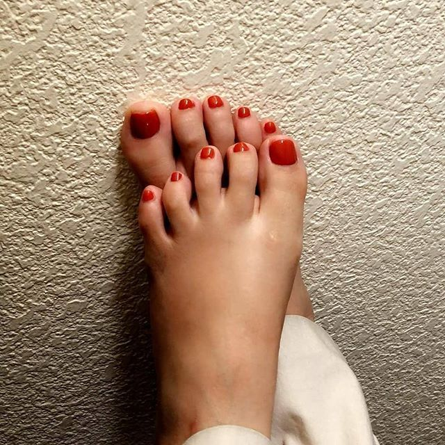 Sexy mexican toes