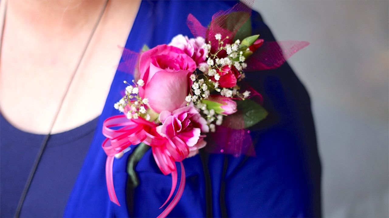 How to make a corsage for prom pin on or wrist corsage