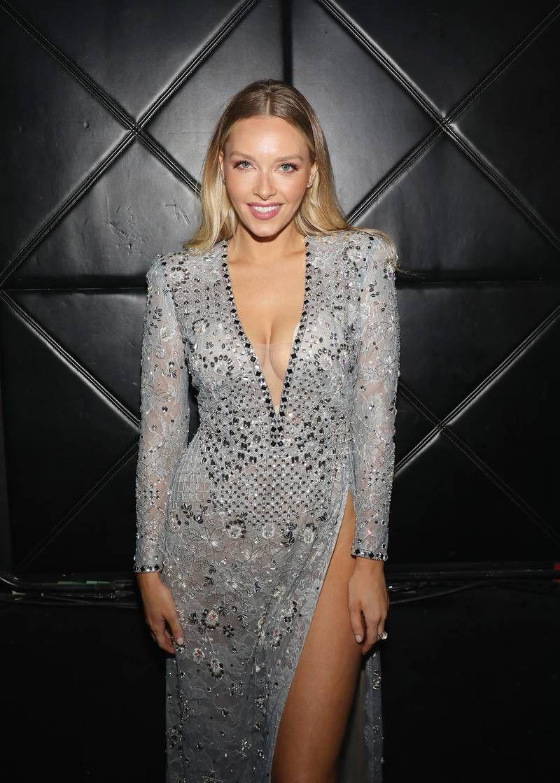 Camille Kostek Girl celebrities, Fashion