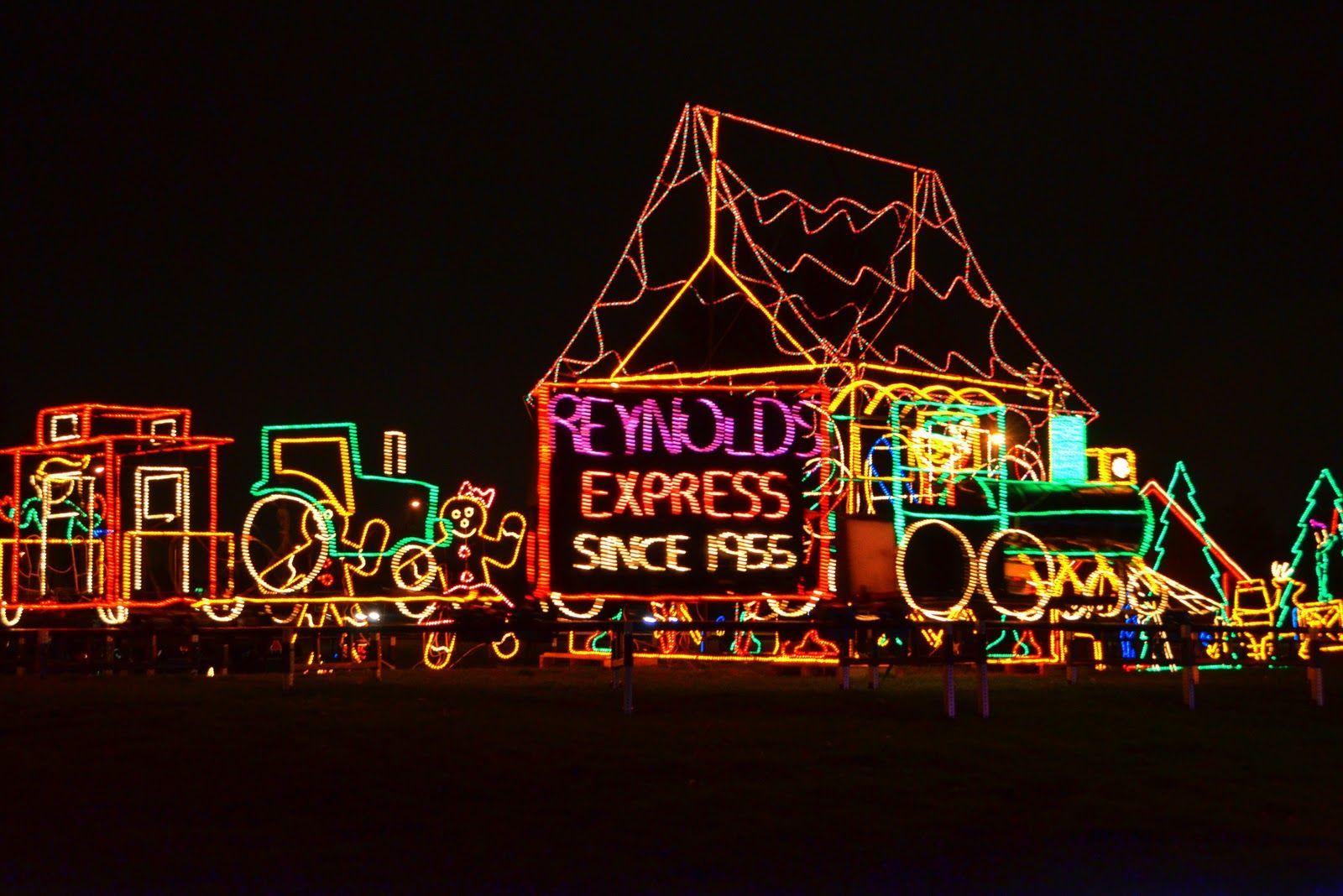 Reynold\'s John Deere Christmas Lights!!! | A John Deere Christmas ...