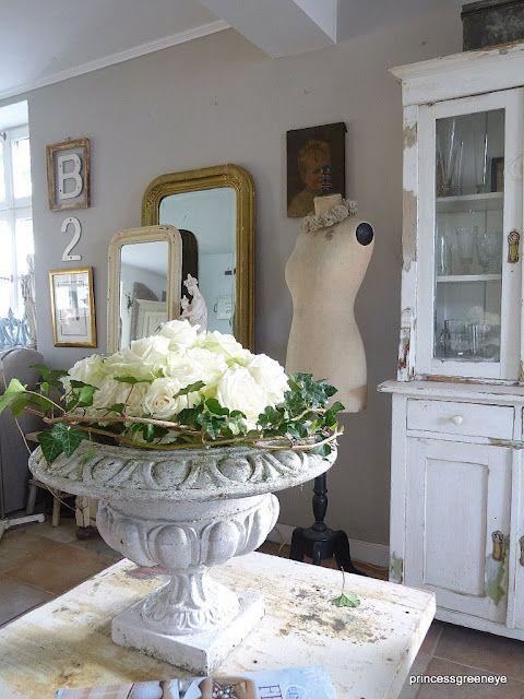 Pin von Liane Miller auf urns | Pinterest | Dekoration, Deko und Blumen
