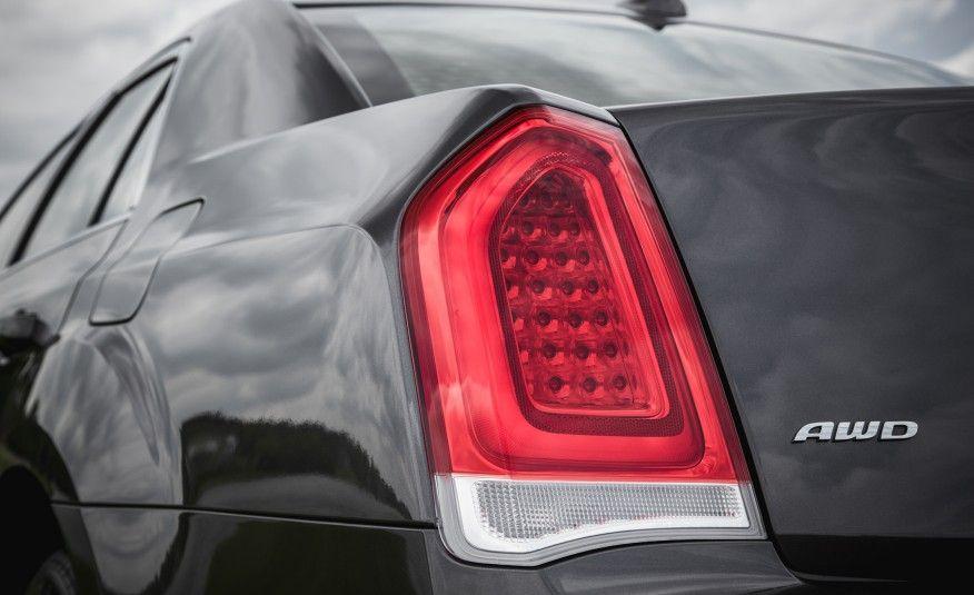 2015 Chrysler 300 V-6 AWD