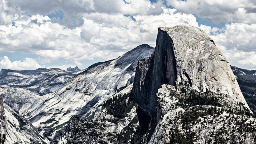 Yosemite Mountain for Mac OS X 10.10 Background. download