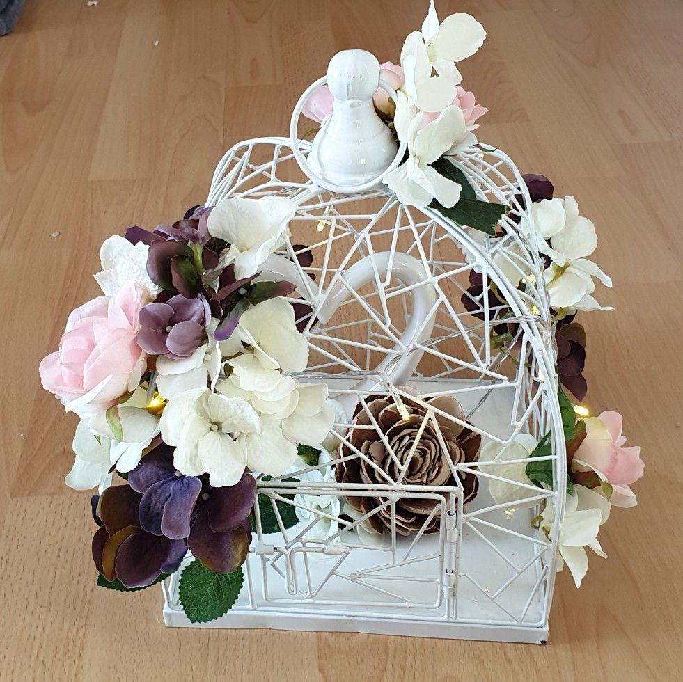 Hochzeitsgeschenk Vogelkafig Mit Blumen Weiss Lila Rosa Hochzeitsgeschenk Geschenke Geschenkideen