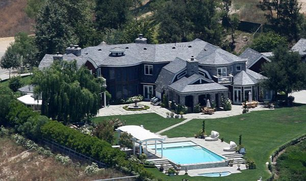 Osbournes Have Put Up Their Famous California Hidden Hills Mansion For 12 Million The Huge Luxurious House With Territory Of 2 25 Acres Six
