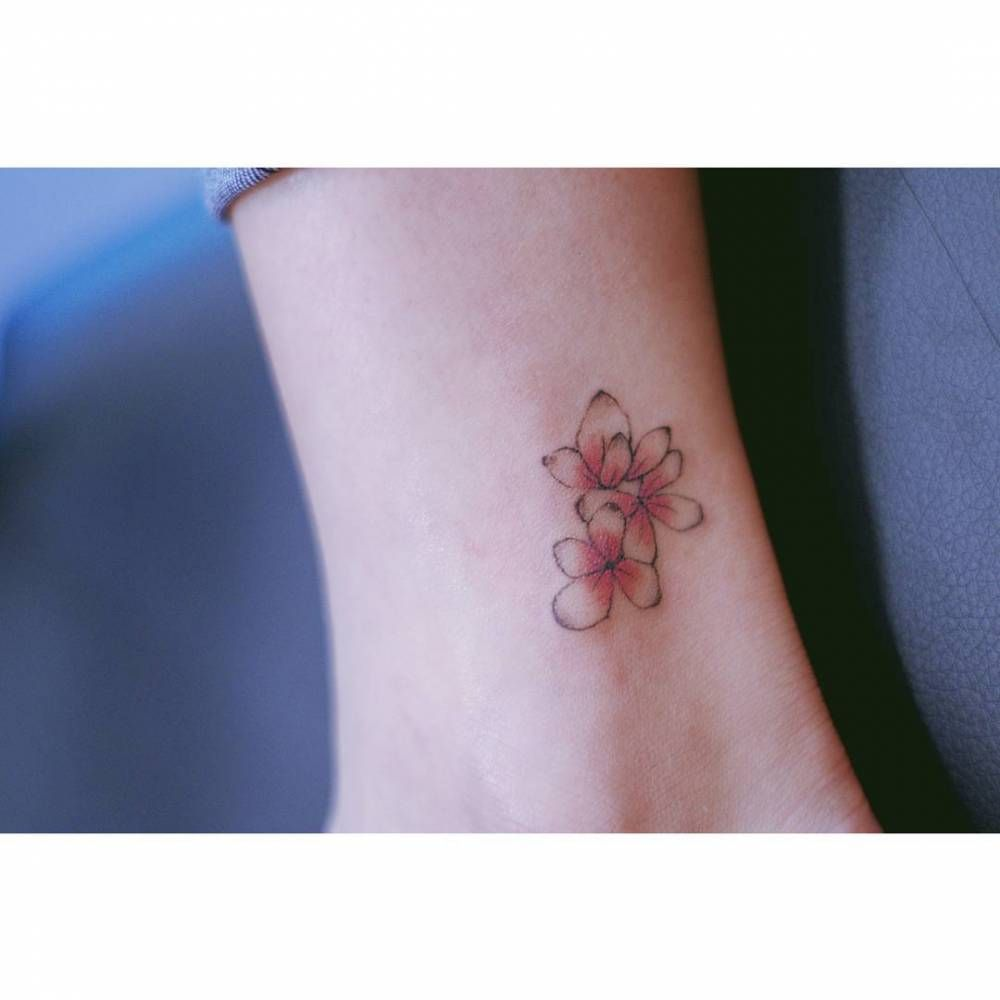 Hydrangea Tattoo On The Ankle Hydrangea Tattoo Flower Tattoo On Ankle Tattoos