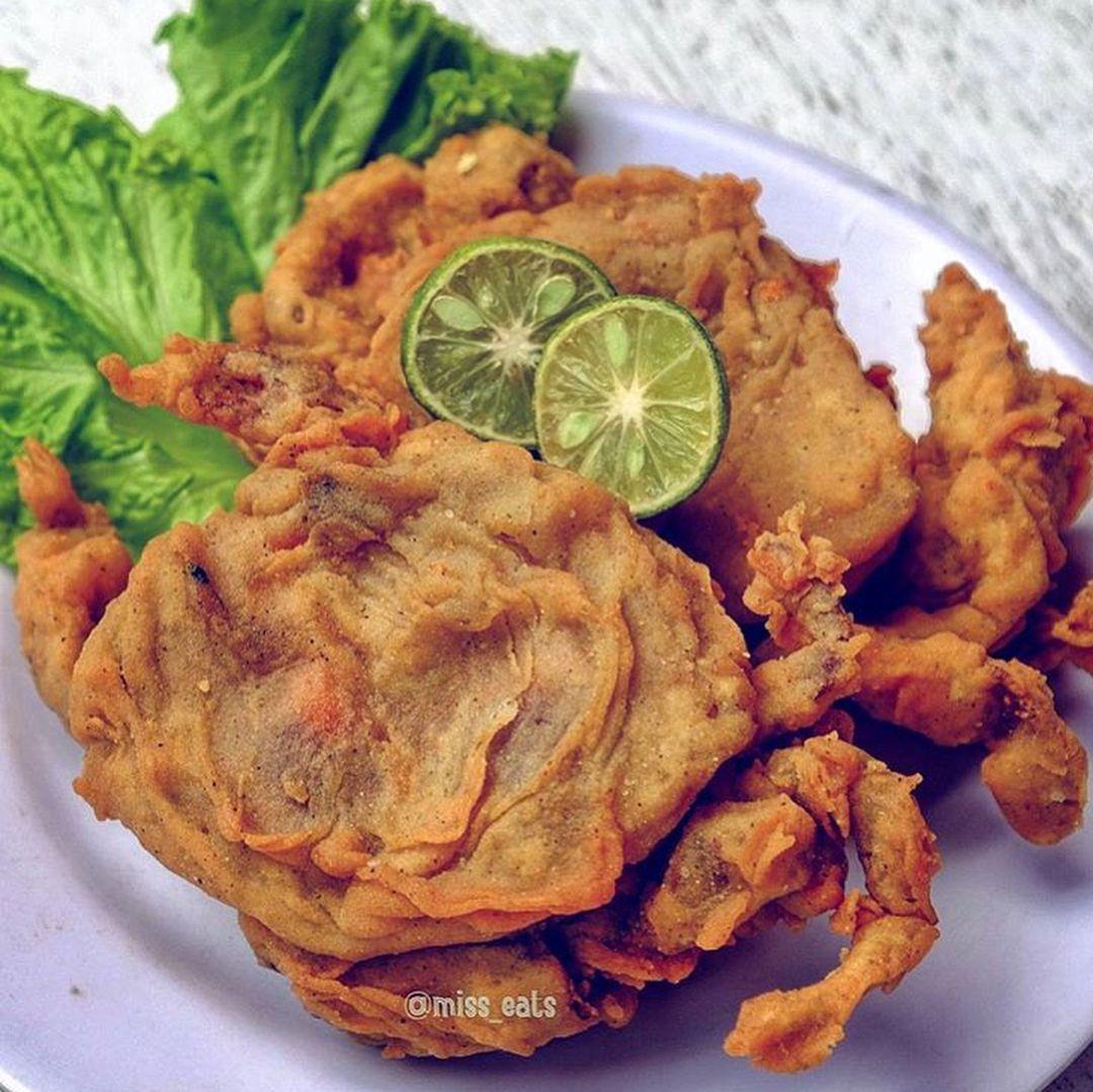 Kalo Kepiting Pasti Seafoodlovers Mikirnya Cuma Bisa Direbus Dan Tumis Aja Nahhh Mimin Mau Ngenalin Si Kepiting Soka Yang Bisa Di Cri Food Cuisine Chicken