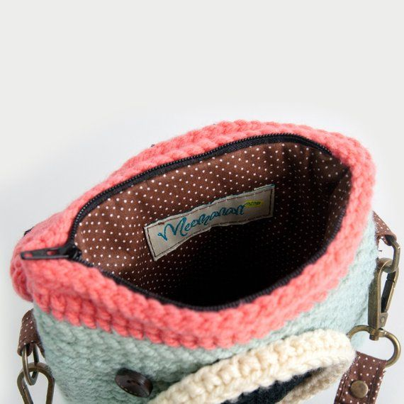 Items similar to Crochet Lomo Camera Purse/ Pastel Mint-Chocky Pink Color on Etsy #camerapurse