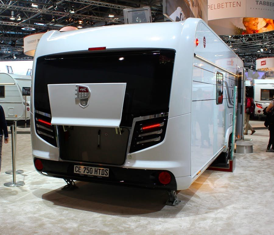 Gallery Million Dollar Motorhomes And Classy Caravans Of The 2018 Caravan Salon Luxury Caravans Caravans Luxury Campers