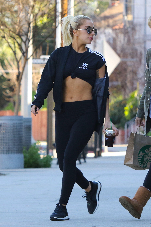 gastos generales A tientas horario  GaGa leaving Starbucks in Los Angeles, CA (Jan. 29 2017) | Lady gaga  outfits, Lady gaga fashion, Lady gaga pictures
