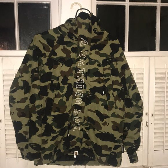 3641cf13a A bathing ape (BAPE) camo snowboarding jacket Men Size: small 1ST 1ST CAMO  SNOW BOARD JACKET M Condition: was purchased a year ago but I had ordered  the ...