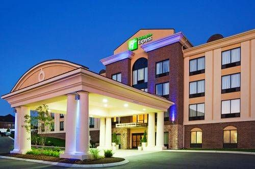 Dog Friendly Hotel In Smyrna Tn Holiday Inn Express Hotel