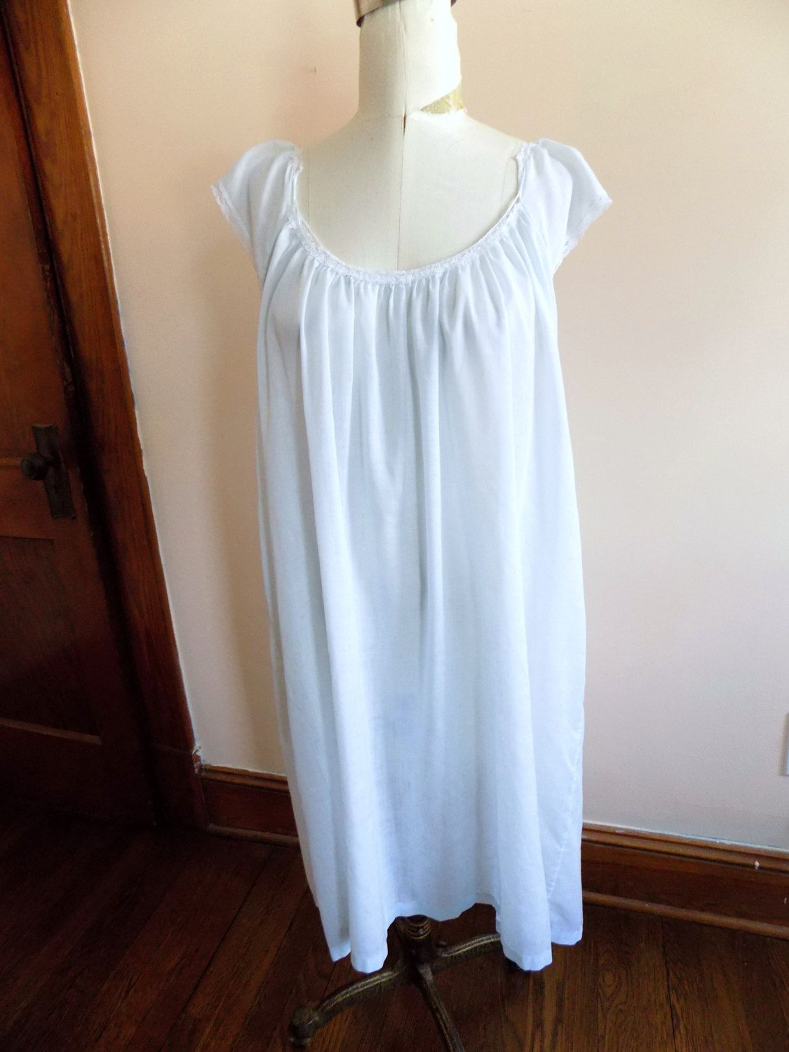 b0d8aecc5e5 80s White Nightgown