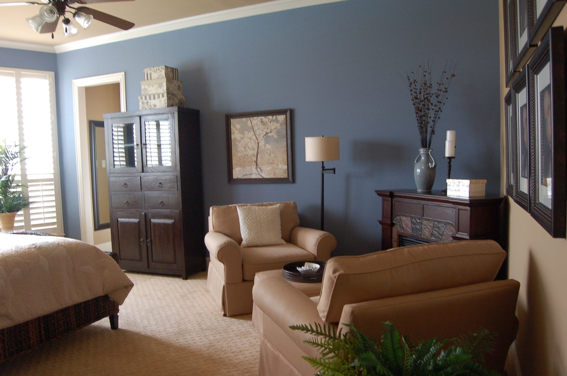 Sherwin Williams Bracing Blue 6242 And Latte 6108 Paint For The Master Bedroom And Bathroom