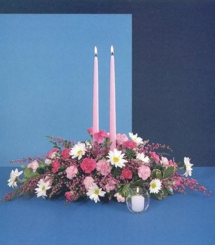 Centerpiece with candles #boesen #florist #spring #easter