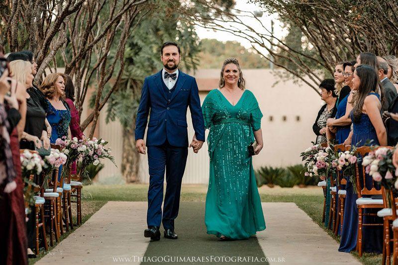 21931e6db90c Casamento de dia { Janaina e Pedro   Casamento ENTRADA DOS NOIVOS ...