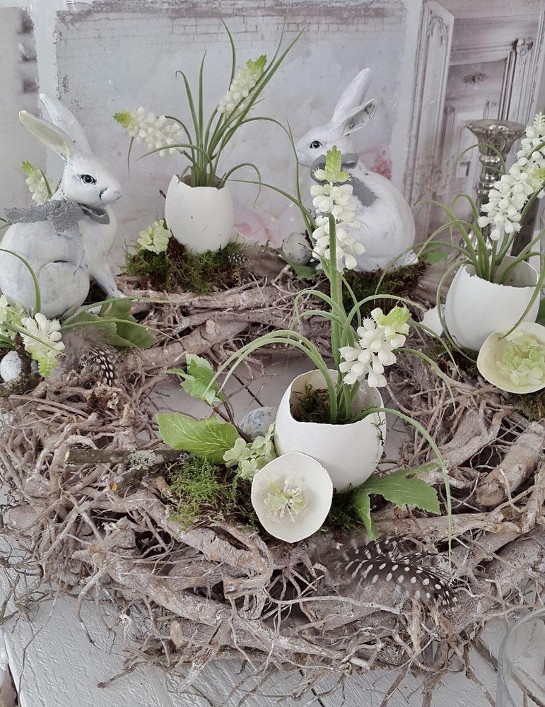 Kleines Schwedenhaus schöner oster tischkranz kleines schwedenhaus osterdeko weiß shabby