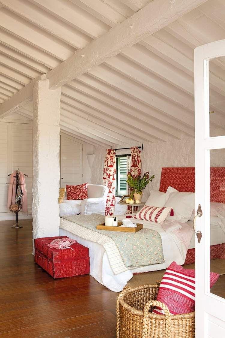 m dchenzimmer im dachboden wei und rot f r die deko bedroom pinterest m dchenzimmer. Black Bedroom Furniture Sets. Home Design Ideas