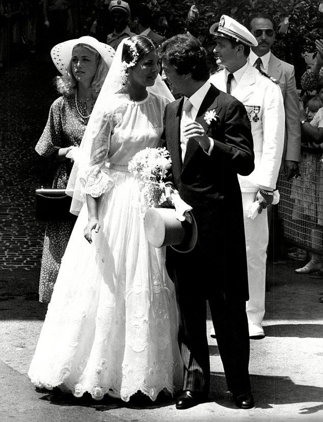 First Wedding Monacos Princess Caroline Wore A Tiered And Flounced Lace Gown For Her 1978